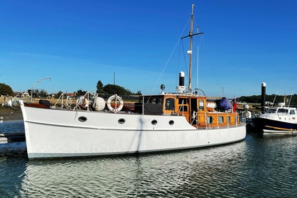 45ft SAUNDER ROE MOTOR YACHT for sale in United Kingdom for £245,000