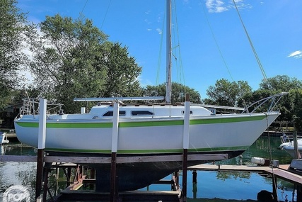 Ericson Yachts 27 for sale in United States of America for $10,200 (£7,398)