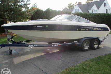 Stingray 220 LX for sale in United States of America for $22,750 (£16,559)