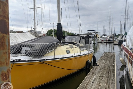 C & C Yachts 35 Mark II for sale in United States of America for $36,000 (£26,111)