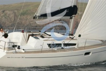 Jeanneau Sun Odyssey 36i for sale in Italy for €75,000 (£63,338)