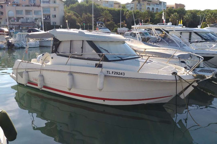 Beneteau Antares 7.80 for sale in France for €45,000 (£37,977)