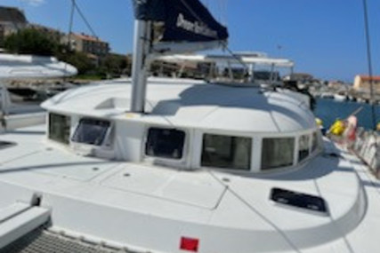 Lagoon 380 for sale in France for €218,000 (£184,004)
