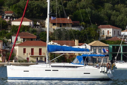 Jeanneau Sun Odyssey 409 for sale in France for €117,000 (£98,808)