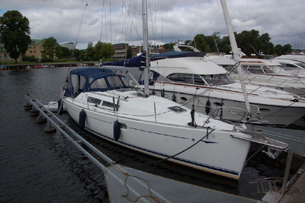 Jeanneau Sun Odyssey 36i for sale in France for €65,000 (£54,801)