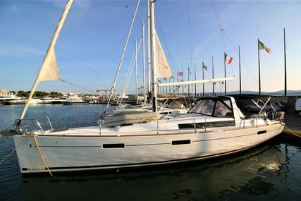 Beneteau Oceanis 45 for sale in France for €255,000 (£215,233)