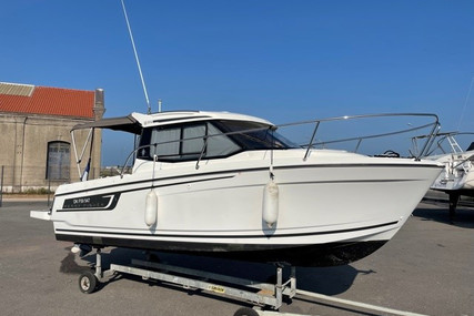 Jeanneau Merry Fisher 695 for sale in France for €49,000 (£41,395)