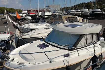 Beneteau Antares 7.80 for sale in France for €46,000 (£38,821)