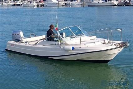 Boston Whaler Revenge 21.4 for sale in Italy for €25,000 (£21,084)