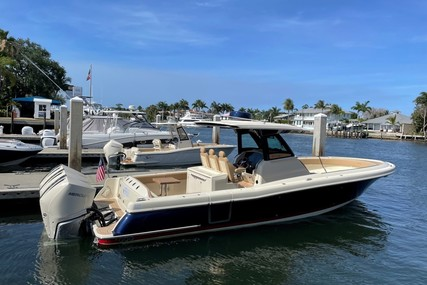 Chris-Craft 34 Catalina for sale in United States of America for $589,000 (£427,211)