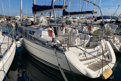 Jeanneau Sun Odyssey 36i Performance for sale in France for €86,000 (£72,589)