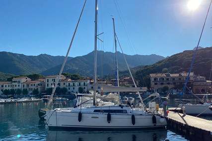 Beneteau Oceanis 31 for sale in Italy for €68,000 (£57,222)