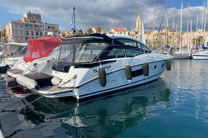 Beneteau Gran Turismo 40 for sale in France for €343,000 (£288,636)
