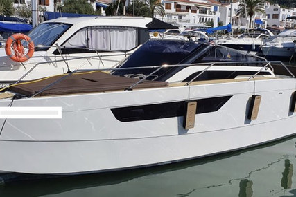 Nuva M8 cabin for sale in Spain for €142,000 (£120,082)