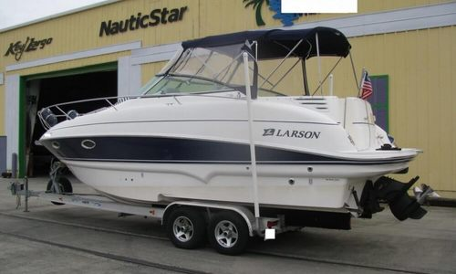 Image of Larson 274 Cabrio Mid-Cabin for sale in United States of America for $36,900 (£27,566) Sanford, Florida, United States of America