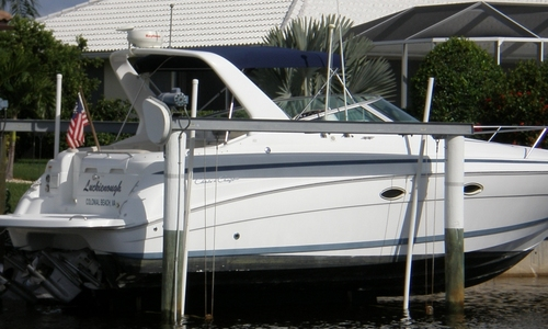Image of Chris-Craft 328 Express Cruiser for sale in United States of America for $62,000 (£45,100) Colonial Beach, Virginia, United States of America