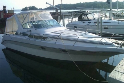 Cruisers Yachts 3270 Esprit for sale in United States of America for $11,500 (£8,631)