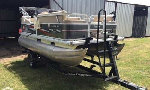 Image of Sun Tracker 16 DLX Party Barge for sale in United States of America for $18,998 (£14,795) Mico, Texas, United States of America