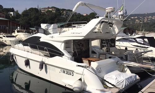 Image of Azimut 45 for sale in Italy for €598,000 (£525,216) Varazze, , Italy