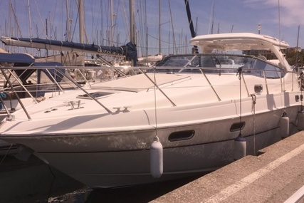 Sealine S43 for sale in France for €130,000 (£115,750)