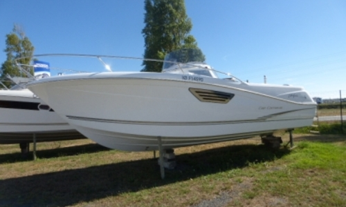 Image of Jeanneau Cap Camarat 8.5 CC for sale in France for 79.000 € (69.537 £) OLERON, France