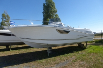 Jeanneau Cap Camarat 8.5 CC for sale in France for €79,000 (£69,145)