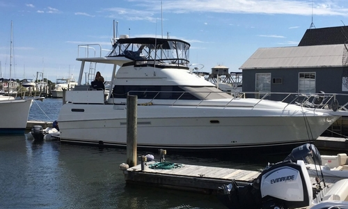 Image of Silverton 41 Motoryacht for sale in United States of America for $ 144.900 (£ 101.784) Mystic, Connecticut, United States of America