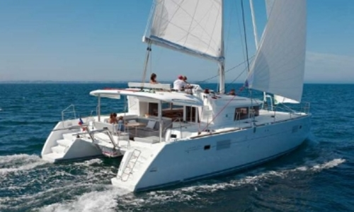 Image of Lagoon 450 for sale in France for €435,000 (£386,980) France