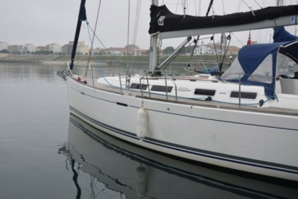 Dufour 425 GRAND LARGE for sale in Portugal for €140,000 (£122,985)