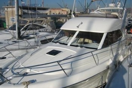 Prestige 36 for sale in France for €150,000 (£132,040)