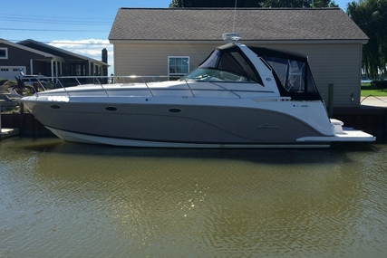 Rinker Express Cruiser 400 for sale in United States of America for $175,000 (£123,936)