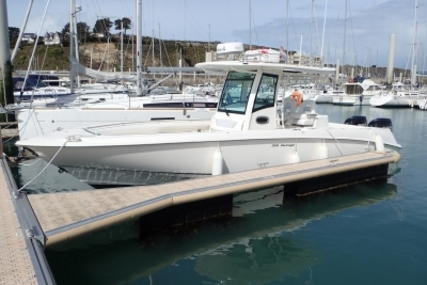 Boston Whaler 320 Outrage for sale in France for €180,000 (£153,974)
