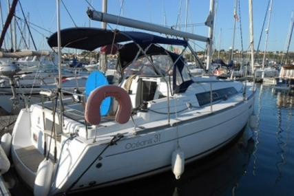 Beneteau Oceanis 31 for sale in Portugal for €62,500 (£55,854)
