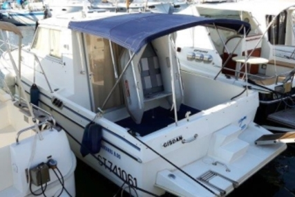 Beneteau Antares 800 for sale in France for €26,000 (£22,932)