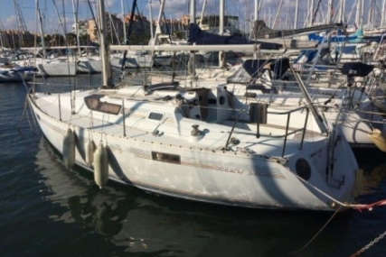Beneteau Oceanis 320 for sale in France for €21,000 (£18,517)