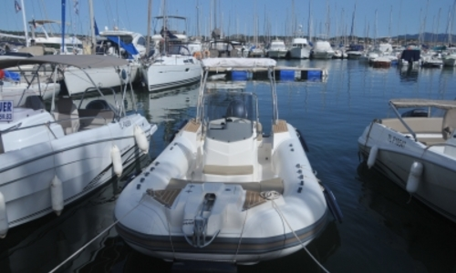 Image of Capelli 700 Tempest for sale in France for €49,900 (£44,636) BANDOL, France