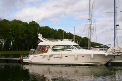 Prestige 42 for sale in France for €185,000 (£163,628)
