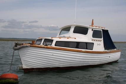 Traditional 26' single engine Motor Yacht for sale in United Kingdom for £8,000