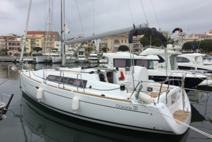 Beneteau Oceanis 31 for sale in Spain for €98,000 (£87,579)