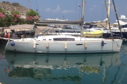 Beneteau Oceanis 46 for sale in France for €165,000 (£146,785)