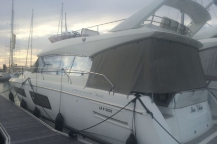 Prestige 450 for sale in France for €428,000 (£375,983)