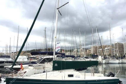 Jeanneau Sun Odyssey 2000 for sale in Spain for €9,000 (£7,968)