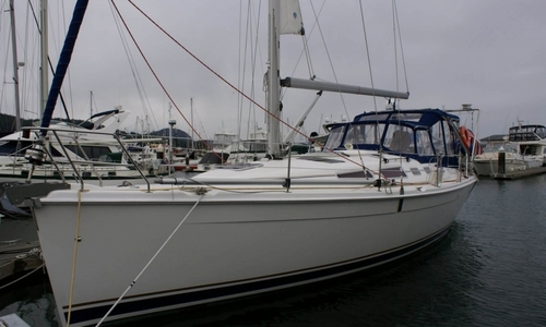 Image of Hunter 38 for sale in United States of America for $145,000 (£109,982) Anacortes, Washington, United States of America