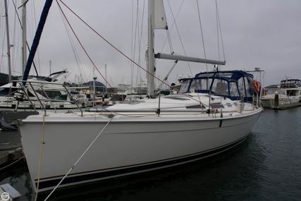 Hunter 38 for sale in United States of America for $145,000 (£110,036)