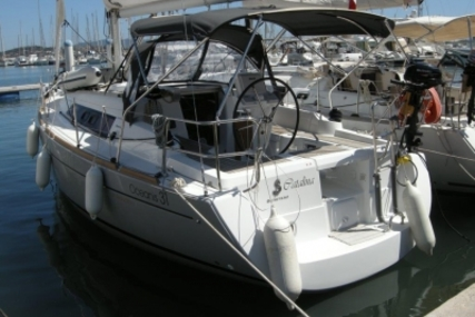 Beneteau Oceanis 31 for sale in France for €79,500 (£70,724)