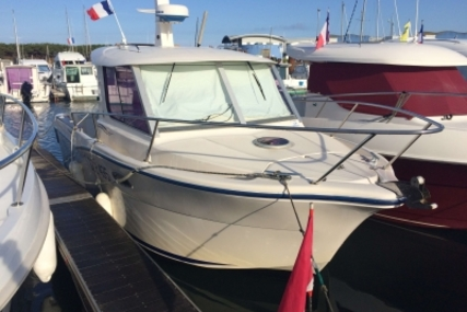Ocqueteau 735 for sale in France for €32,000 (£28,565)