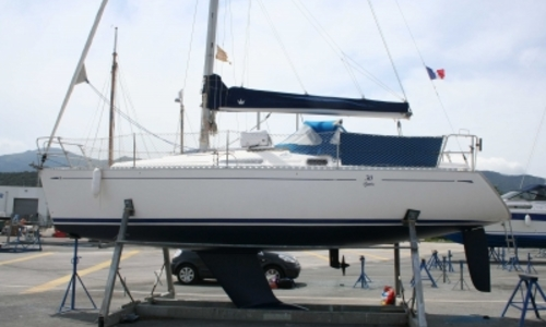 Image of Dufour 30 CLASSIC for sale in France for €24,900 (£22,209) SAINT CYPRIEN, France