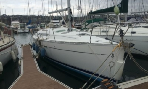 Image of Beneteau Oceanis 343 Shallow Draft for sale in France for €57,000 (£50,370) BREST, France