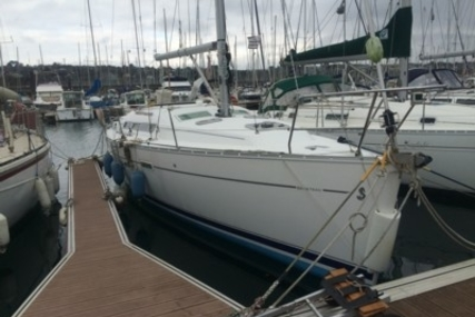 Beneteau Oceanis 343 Shallow Draft for sale in France for €57,000 (£49,931)