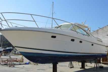 Prestige 34 Sport Top for sale in Portugal for €80,000 (£70,837)